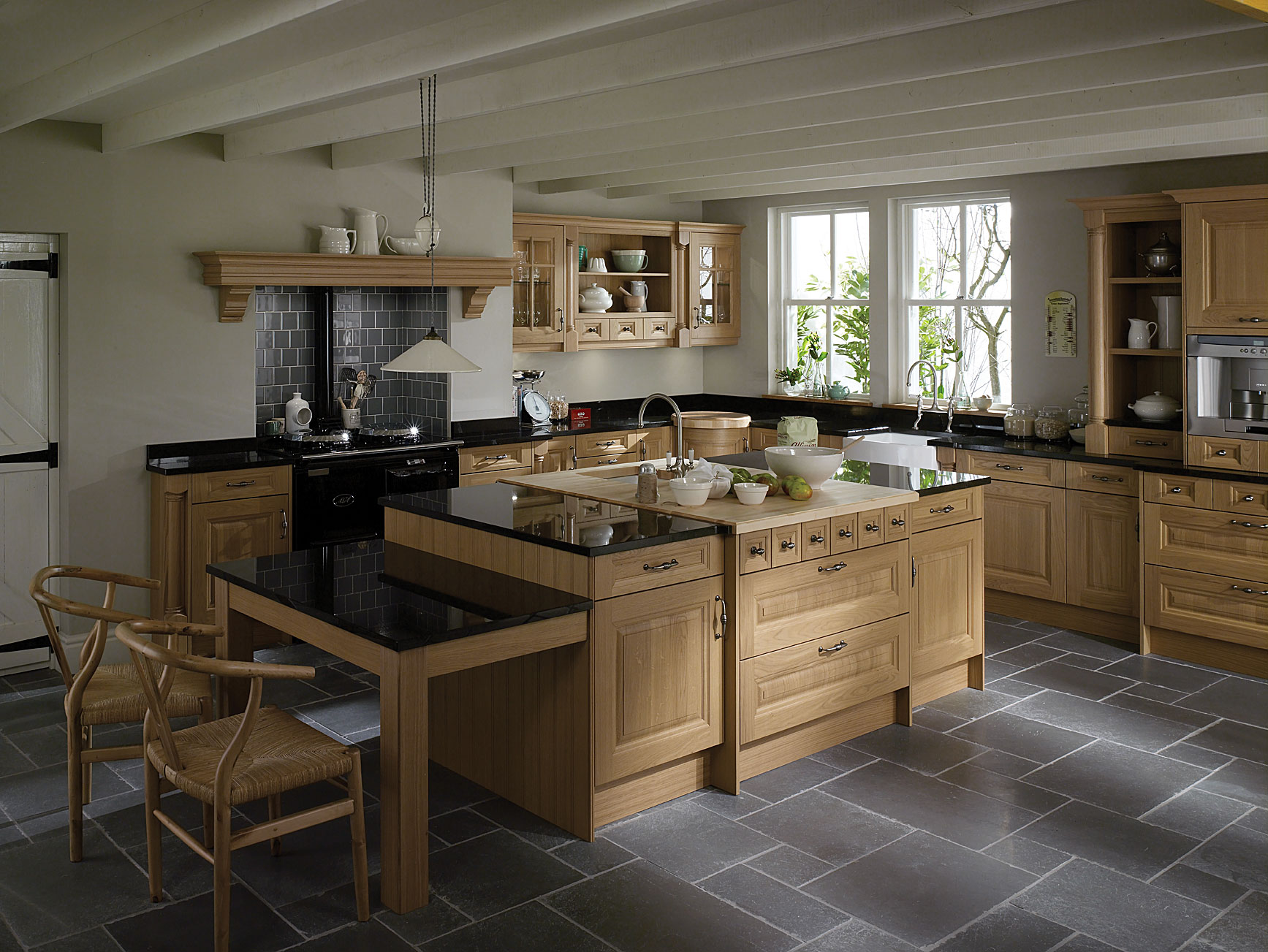 Woodbank kitchens northern ireland based kitchen design for Classic kitchen designs photos
